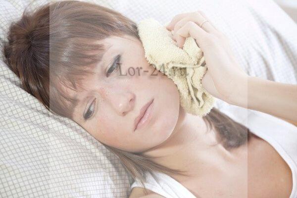 Боль в ухе при простуде
