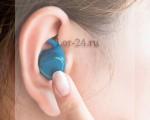 Болят уши от наушников, что делать и чем лечить?
