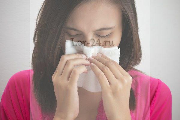 Насморк - распространенная причина возникновения болезни