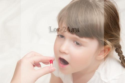 antibiotiki pri faringite detyam